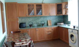 Продаётся дом с косметическим ремонтом