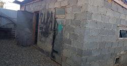 Коттедж, с зоной отдыха и постройкой
