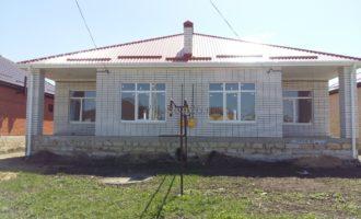 Коттедж в хорошо развитом районе города с удобным выездом в г. Ставрополь