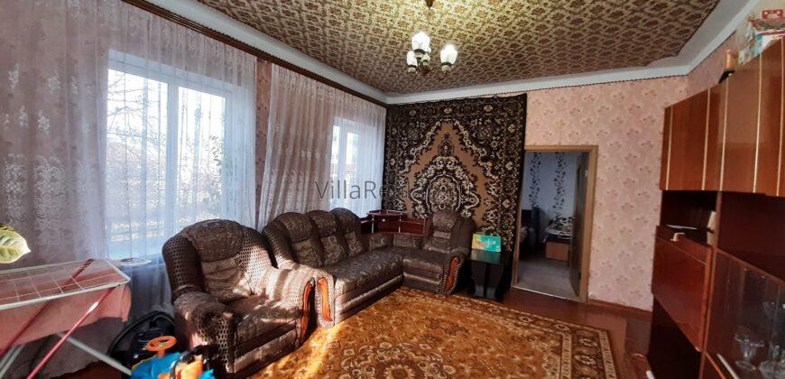 Продается отдельно стоящий дом в центре города