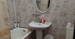 Продается отдельно стоящий дом, косметический ремонт. Район 2-го лицея.