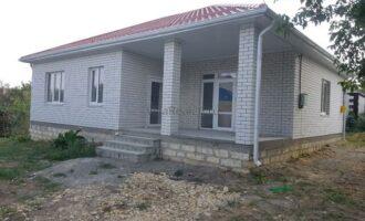 Продаётся отдельно стоящий дом, район ЖК Гармония .